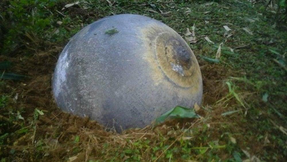 Bola de metal encontrada den Vietnam