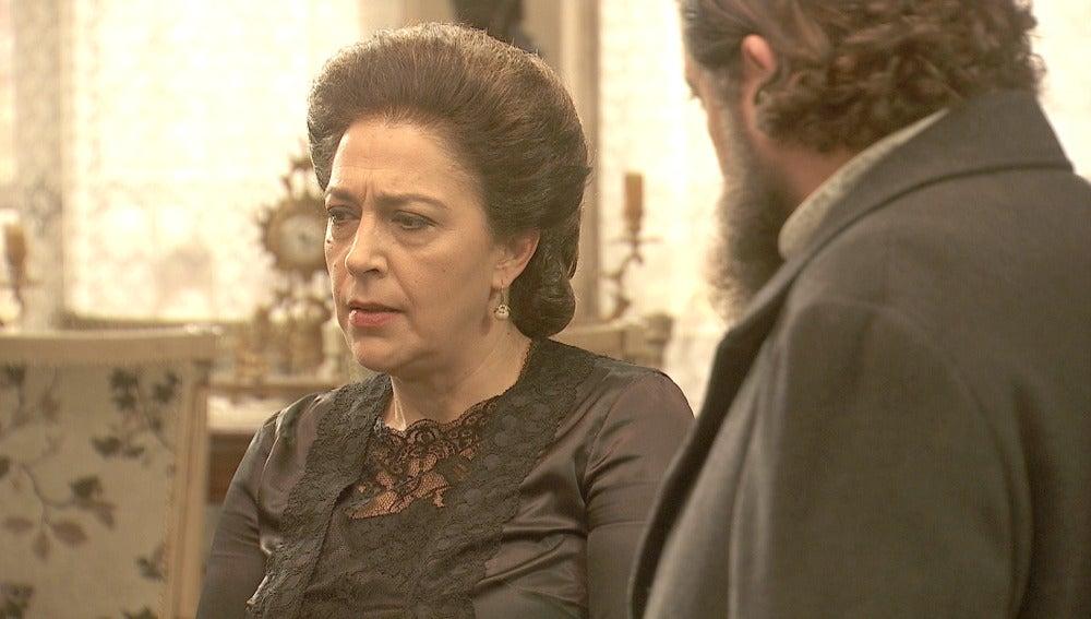 Aurora quiere entregar el niño a Gonzalo y María