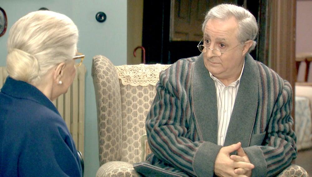 Emilia visita a Pelayo para saber qué le ocurre