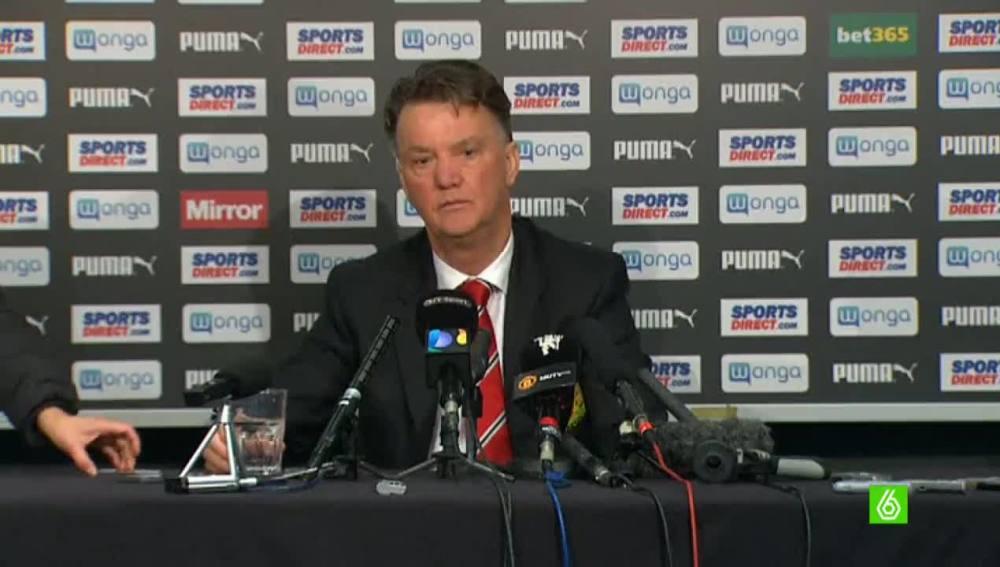 Van Gaal en rueda de prensa
