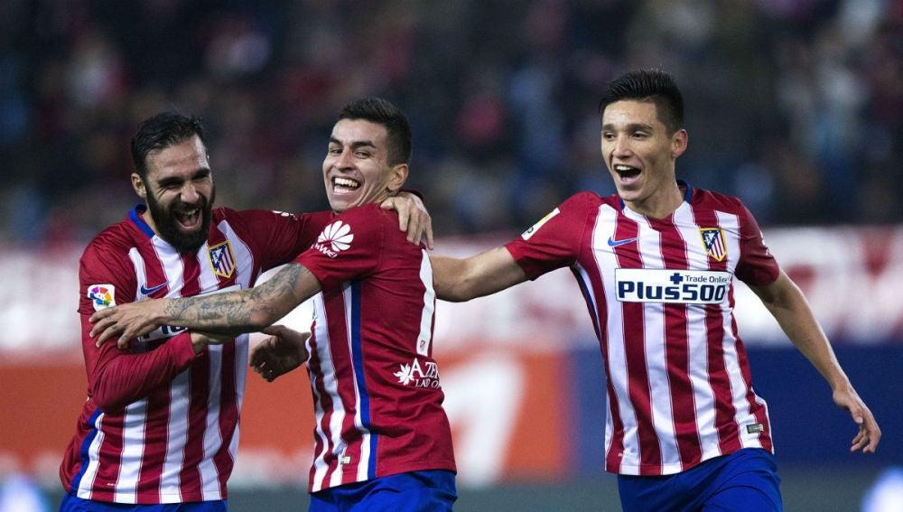Correa celebra el 1-0 ante el Rayo