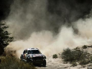 Al Attiyah en la undécima etapa del Dakar