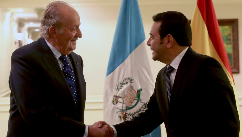 Jimmy Morales recibe al Rey Juan Carlos I
