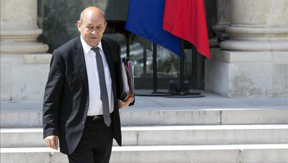 El ministro galo de Defensa, Jean-Yves Le Drian, en el Palacio del Elíseo en París