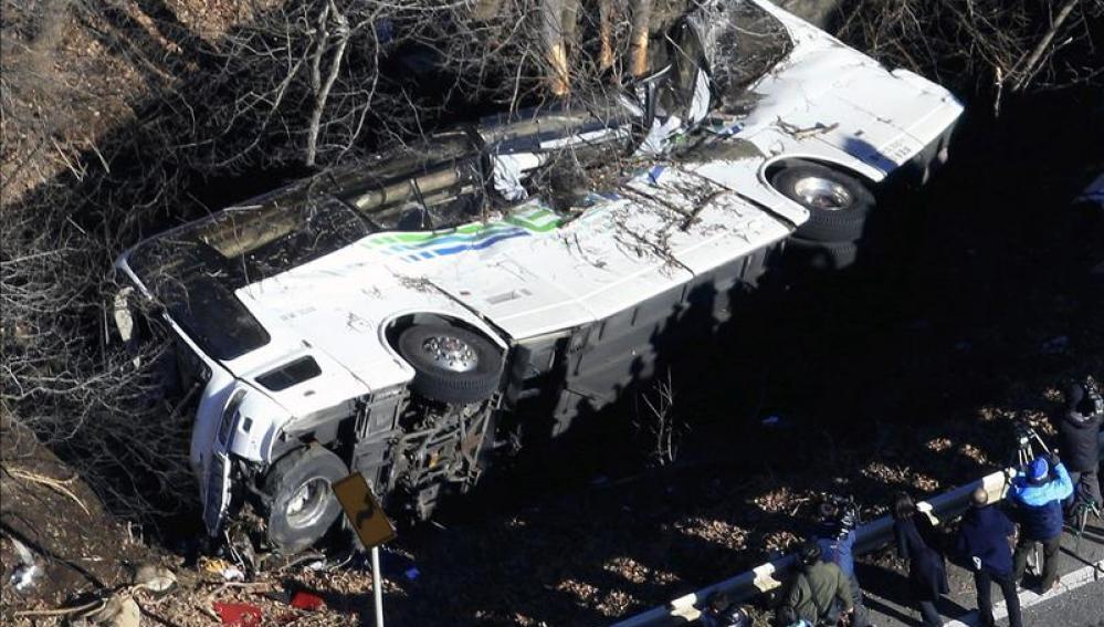 Autobús siniestrado en Karuizawa en la prefectura de Nagano (Japón)