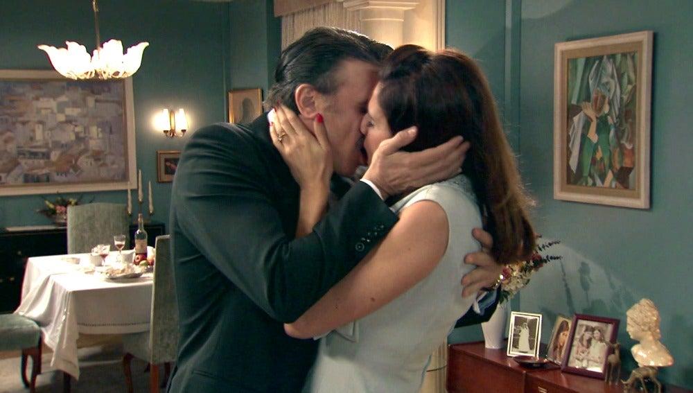 Adela y Tomás vuelven a estar más cerca que nunca