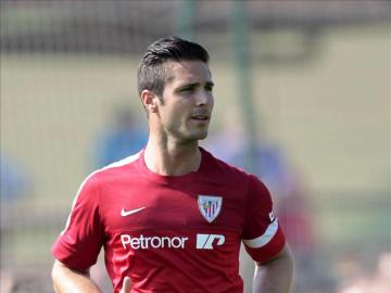 Kike Sola en un entrenamiento con el Athletic de Bilbao