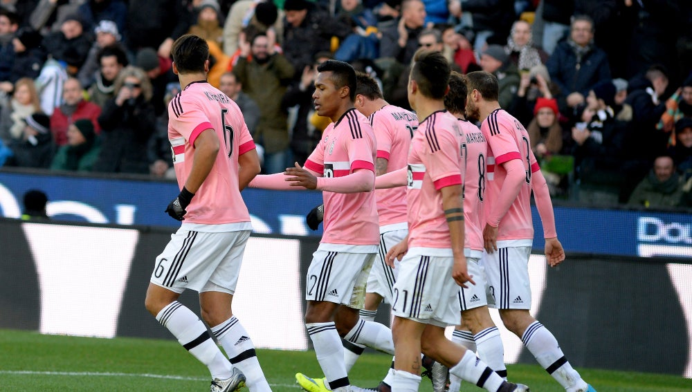 Los jugadores de la Juventus celebran un gol frente a la Sampdoria