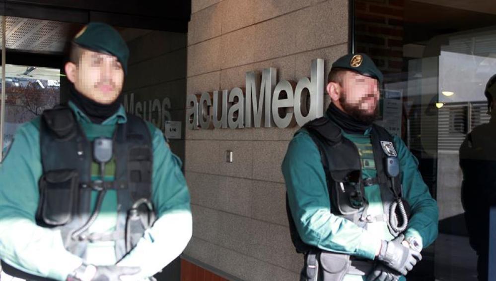 La Guardia Civil está registrando la sede de la empresa Aguas de las Cuencas Mediterráneas