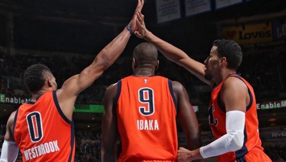 Ibaka y Westbrook, en el partido ante los Heat