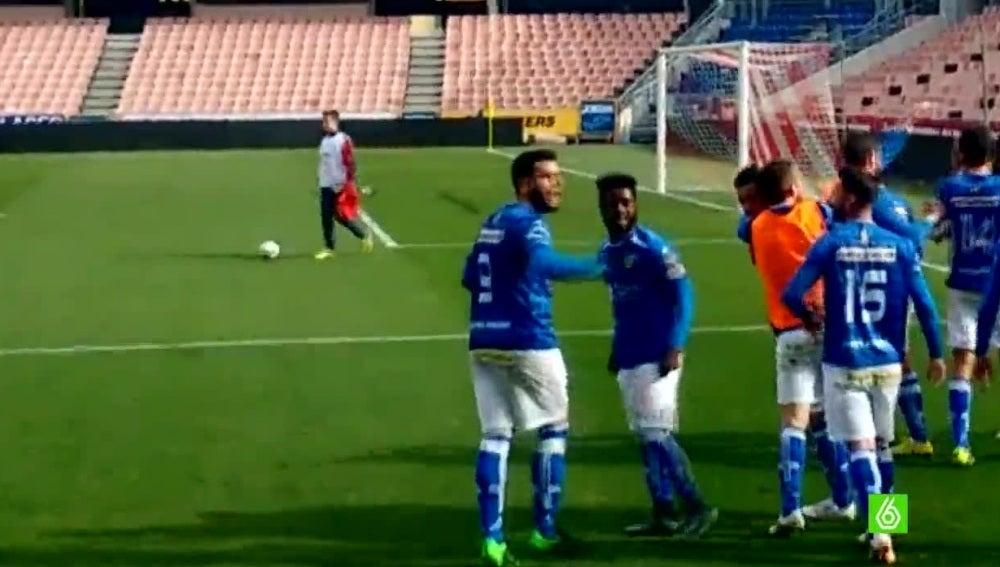 Momento del partido entre el Granada B y el Linares
