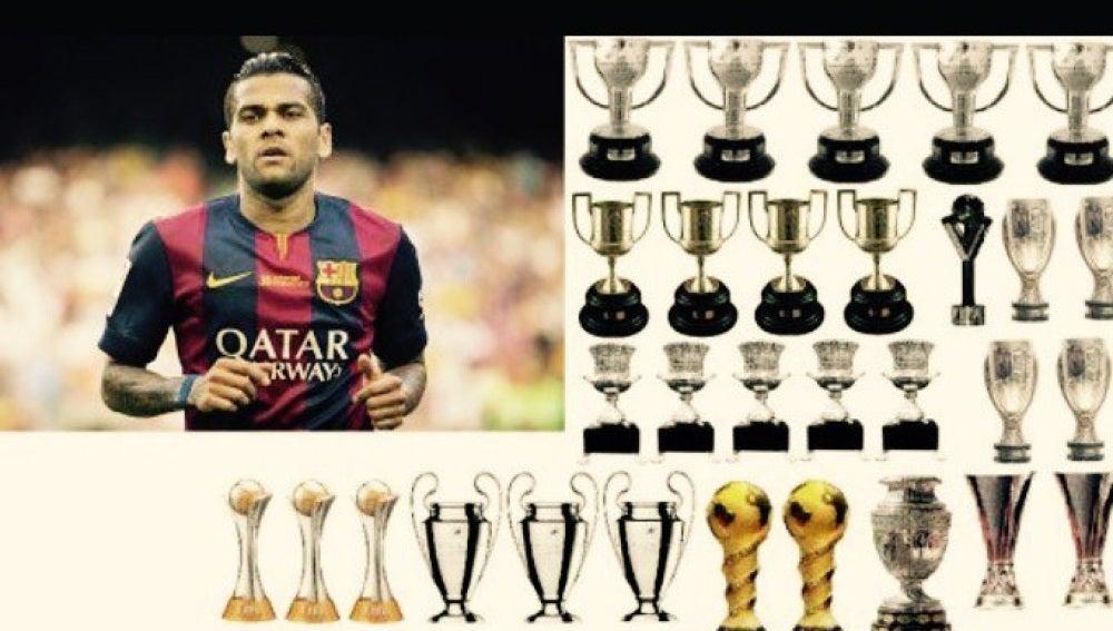Tuit de Dani Alves con todas las Copas que ha ganado