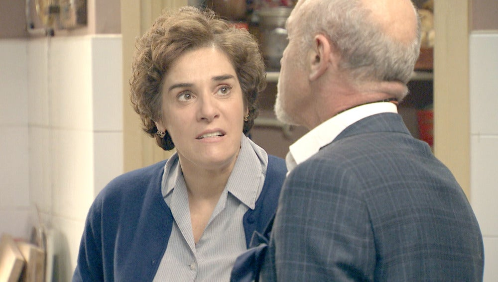 Benigna se enfrenta a Elías tras el despido de Pepa