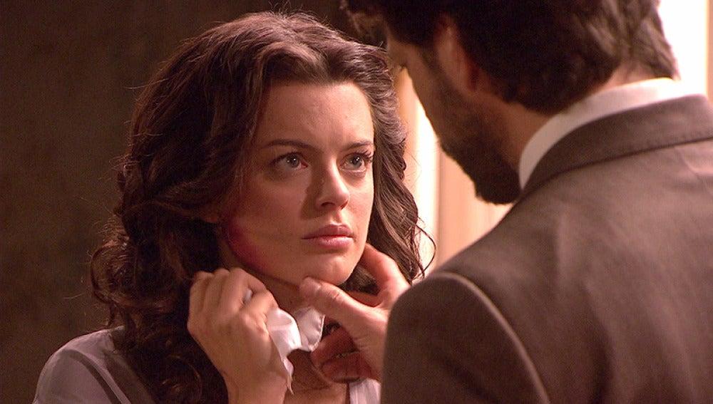 Lucas descubre el golpe en la cara que tiene Sol y sale en busca de Eliseo