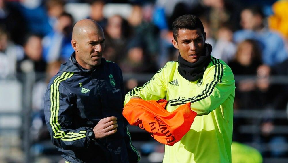 Zidane y Cristiano Ronaldo, durante un entrenamiento