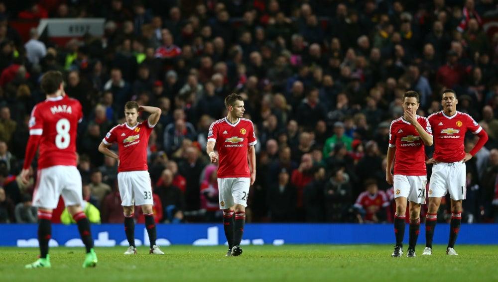 Jugadores del Manchester United, cabizbajos