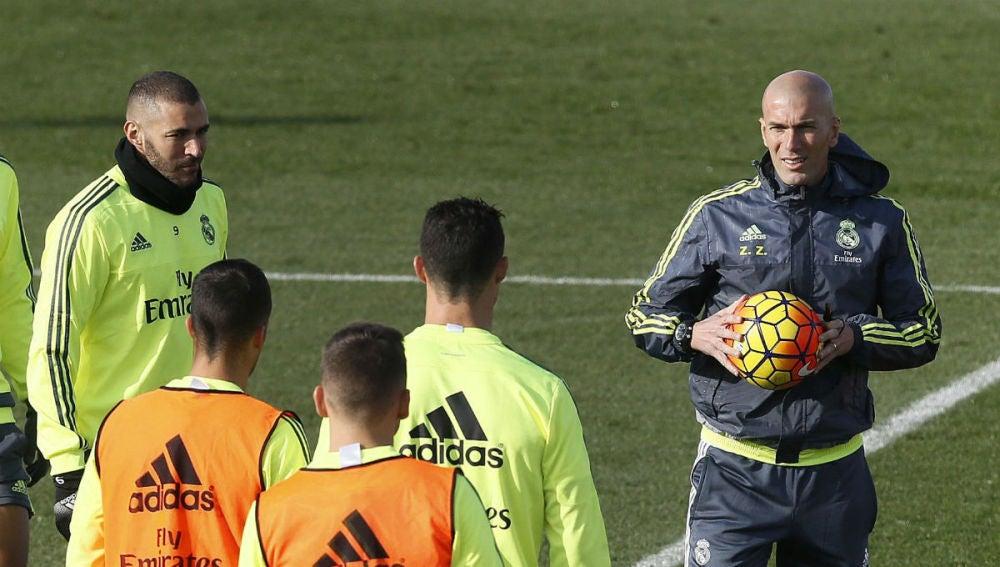 Zidane, en el entrenamiento en Valdebebas