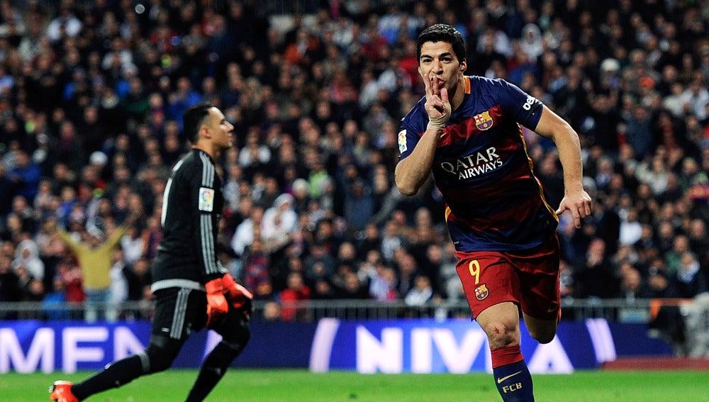 Luis Suárez celebra su gol frente al Real Madrid