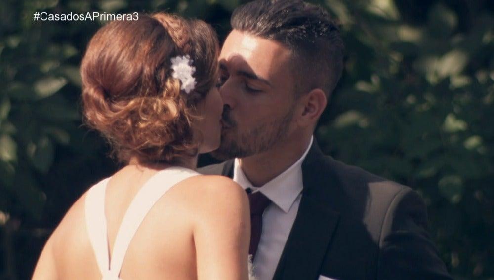 Cristina y Tito se dan el 'Sí, quiero', deseando tener un momento de intimidad