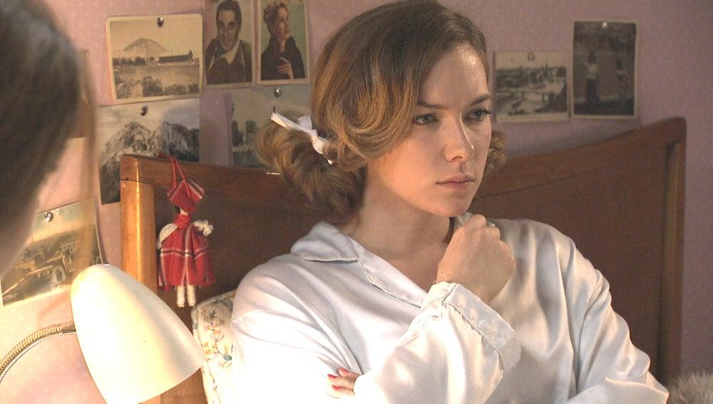 Leonor le pide a María que guarde su secreto