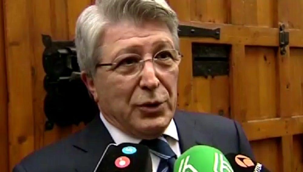 Enrique Cerezo comparece ante los medios de comunicación