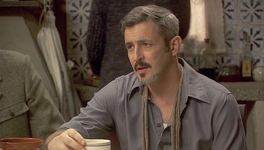 Alfonso informa a su familia de que la ruptura con Emilia es definitiva