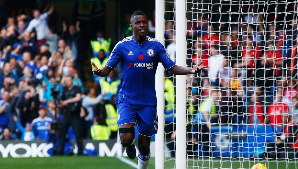 Ramires celebra un gol con el Chelsea
