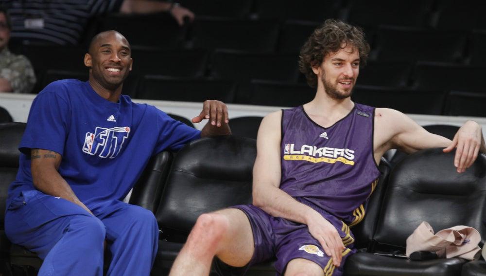 Kobe Bryant y Pau Gasol, en un entrenamiento de Los Angeles Lakers