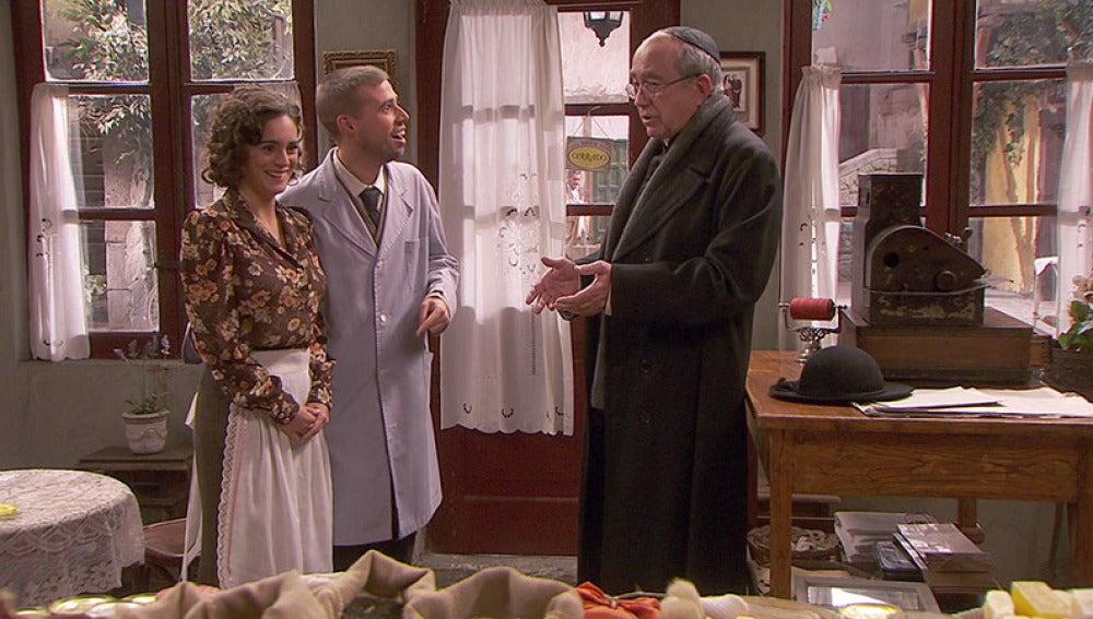 Hipólito y Gracia quieren que don Anselmo les case