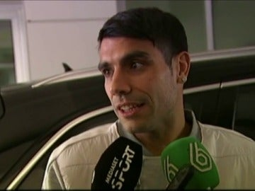 Augusto Fernández atiende a la prensa