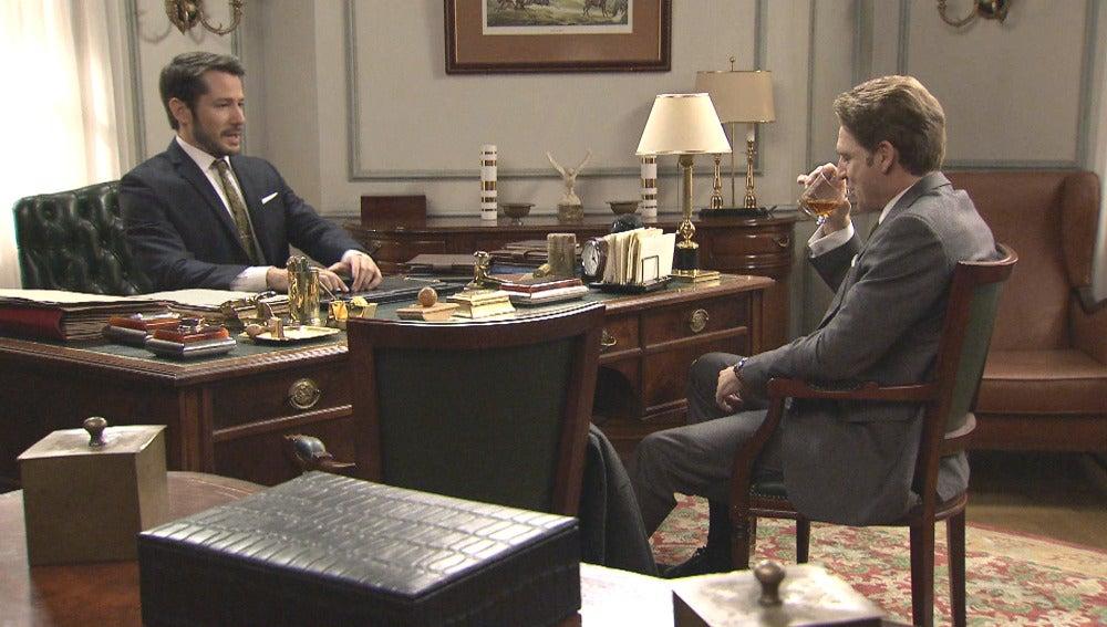 Víctor pide ayuda a Miguel y Benigna para hallar a una joven