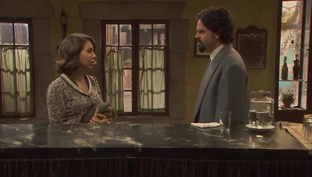 César le ofrece a Emilia la posibilidad quedarse en Puente Viejo