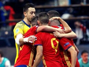 La selección, una piña tras ganar a Hungría