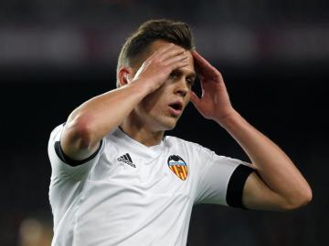 Cheryshev lamenta una ocasión en el Camp Nou