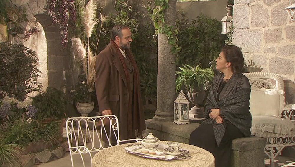 Francisca ayuda a Raimundo a descubrir el paradero de Sol y Candela