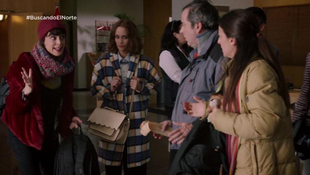 Chus y Jaime con Carol en la embajada