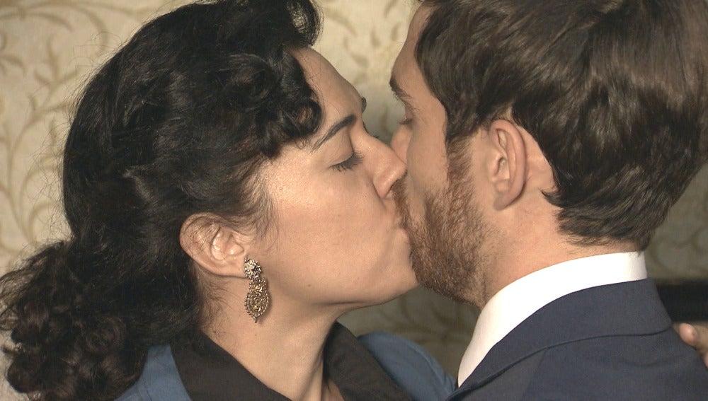 Toni y Pepa se vuelven a besar