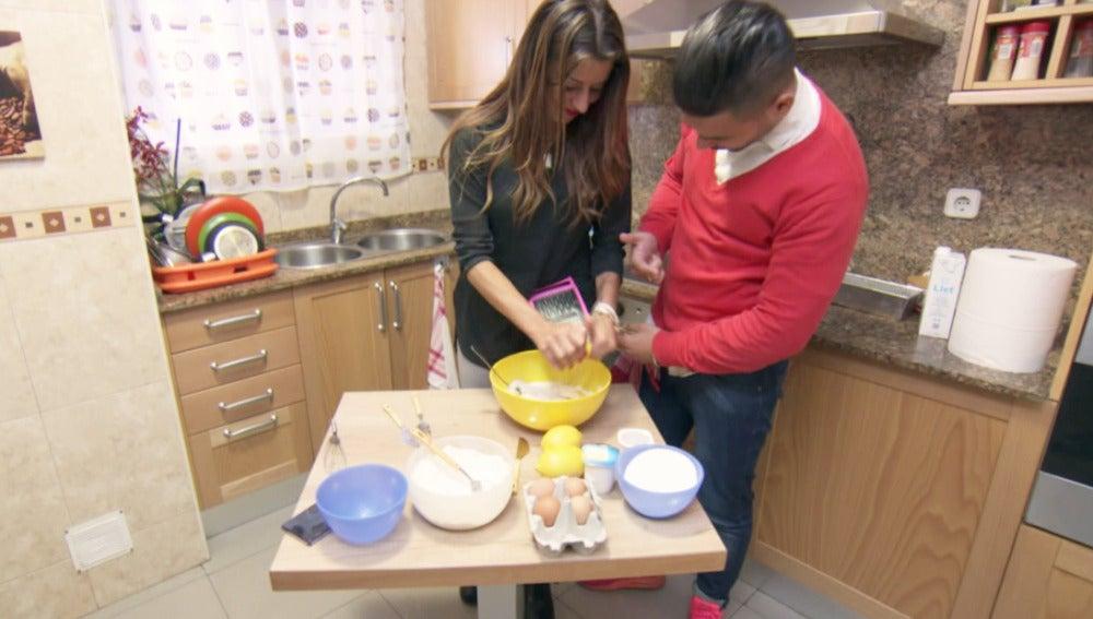 Cristina y Tito hacen una tarta