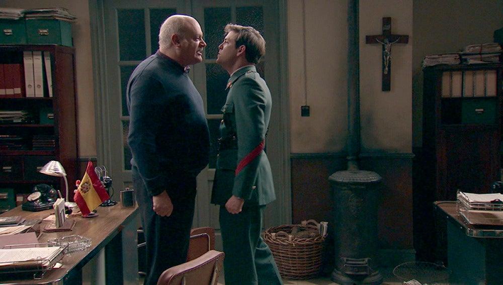 Gervasio revela a Guillermo que su verdadero padre es Aníbal Roldán