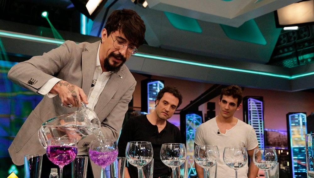 Daniel Guzmán y Miguel Herrán en 'El Hormiguero 3.0'