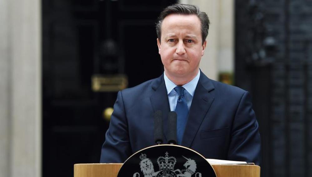 Cinco miembros del Gobierno, se desmarcan de Cameron y piden salir de la Unión Europea