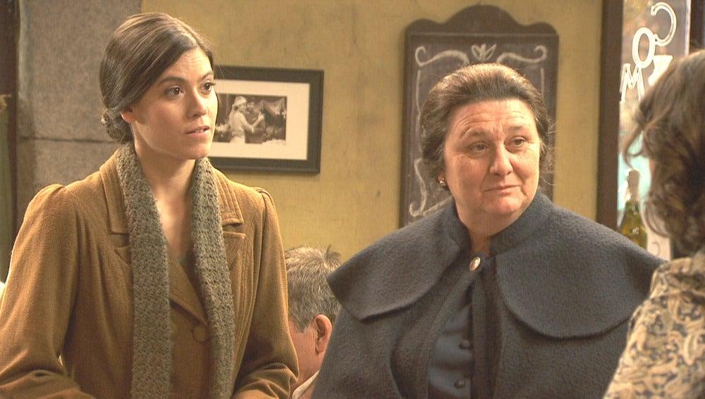 Rosario deja a Rafaela a cargo de Emilia