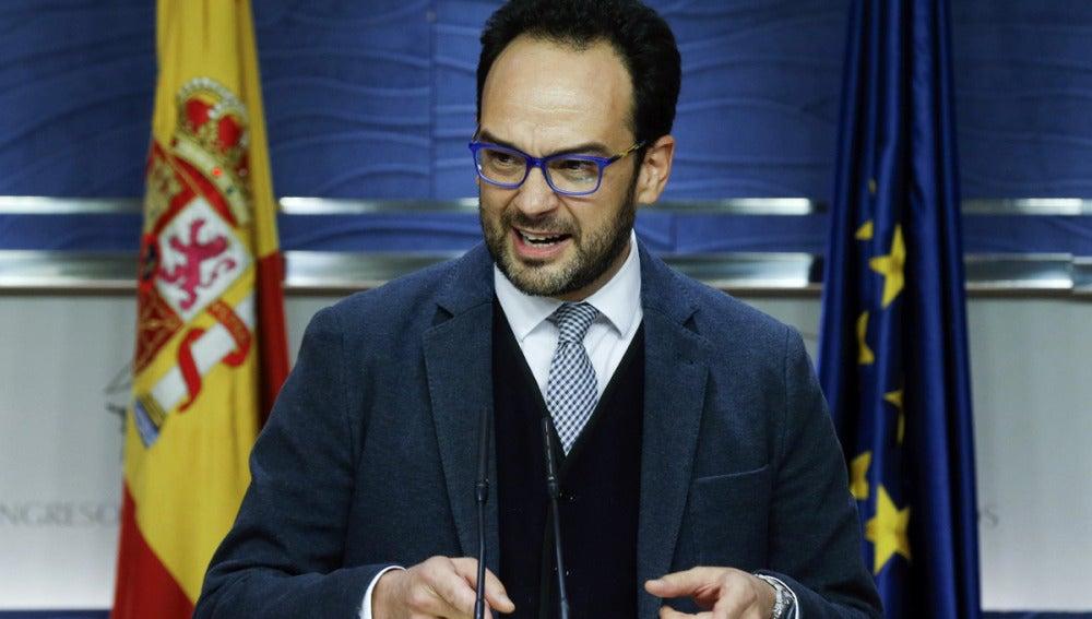 Antonio Hernando, en rueda de prensa