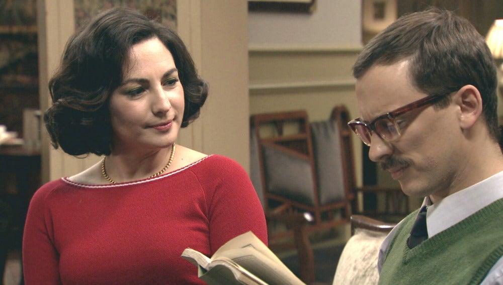 Maruxa insiste en conquistar al científico Mariano Lasalle