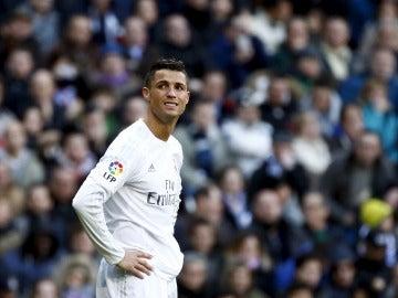 Cristiano Ronaldo lamenta una ocasión fallada ante el Atlético