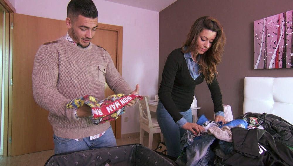 Cristina y Tito hacen la maleta en 'Casados a primera vista'