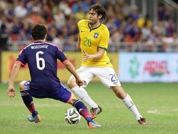Kaká jugando con la Selección Brasileña