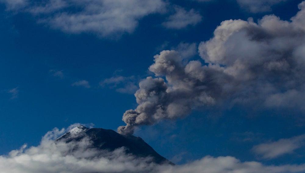 Se despierta el volcán Tungurahua (01-03-2016)