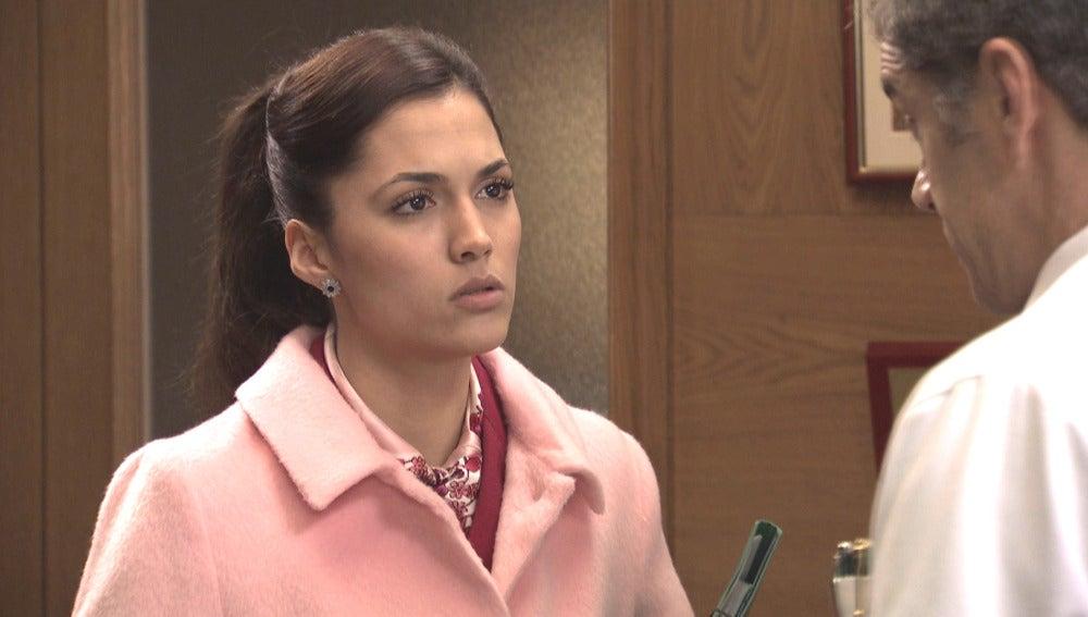 Sofía descubre unos peligrosos fármacos en el maletín de Emilia