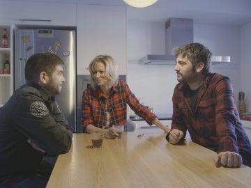 Susanna Griso habla en la cocina de los hermanos, José y David Muñoz